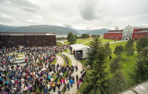 EGEN AVIS: UiT Norges Arktiske universitet skal igjen få sin egen studentavis, etter at «Utropia» ble lagt ned i desember.