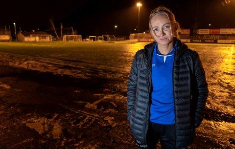 MISFORNØYD: TUIL-kaptein Elin B. Løvstad forteller at hjemmegarderoben i 2019 skulle bli forbeholdt herrelaget, og ifølge den rutinerte spilleren har de gjentatte ganger fått guttelag inn i garderoben og blitt nødt til å droppe dusjing. Hun mener man ikke føler seg mye verdt som kvinnelig fotballspiller i Tromsø.