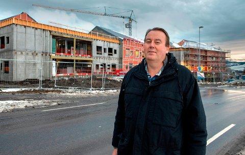 TOMTEVALG: - Valget av Labo framfor Vallejordet som tomt for nytt helse- og omsorgssenter er hovedårsaken til at det ikke er plass til et framtidig byggetrinn to, sier hovedutvalgsleder Ola Soen Tverå Løvstad.