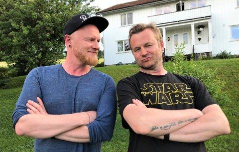 PODDERE: I podkasten Musikkfolk er det Lewi Bergrud og Knut Anders Sørum som styrer samtalen. I Backstage derimot, ikler de seg mer enn gjerne rollen som snakkesalige gjester.