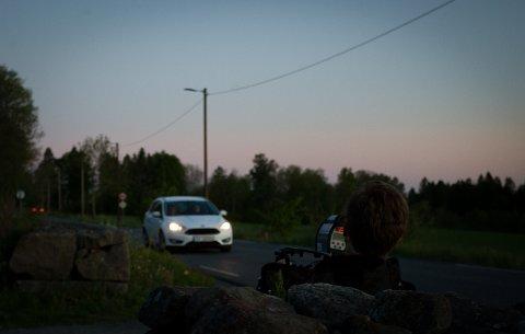 LASERMÅL: Syv bilister ble tatt i UPs fartskontroll i Kongeveien i Nordby torsdag kveld.