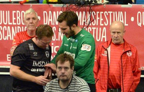 SKADEMARERITT: Drammen har slitt med skader på flere av sine nøkkelspillere hele sesongen. Onsdag kveld måtte nok en spiller ut med bandasje og ispose. Denne gangen var det Mathias Kolstad Holm.