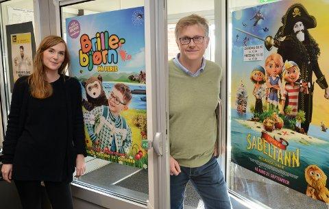 GODT TILBUD: Enhetsleder for kultur og frivillighet, Elida Inman Tjørve, og kulturhusansvarlig Odd Skramstad har et stort og spennende program for høstferien.