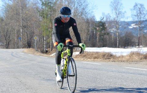 LANGE DAGER: I over 35 timer sitter Kristian Klevgård på sykkelsetet i påsken.