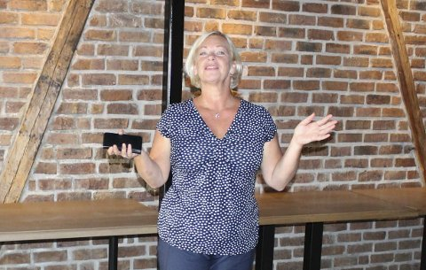 REVY: Heidi Bordier er klar for revypremiere på Breviksrevyen fredag.
