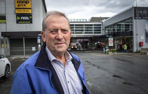 Opprørt: Sentral Sp-politiker Johan Petter Røssvoll mener politikere har lite å bidra med i den medisinskfaglige debatten.