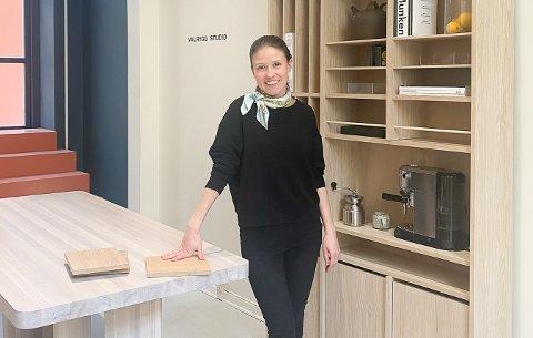 Da arkitekt Anita Valrygg i Valrygg studio ikke fant sin drømmehylle til kjøkkenet, designet hun sin egen hylle. Det var starten på en møbelkolleksjon.