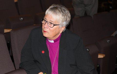 Sier nei: Biskop Solveig Fiske er ikke begeistret for Nes Innkøpslag planer for nybygg på nabotomta til Stavsjø kirke og kirkegard.