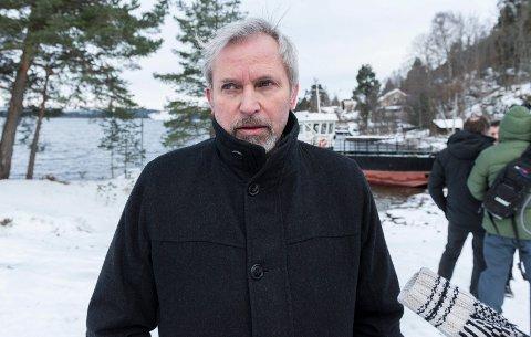 Ordfører Per R. Berger i Hole kommune på kaiområdet til Utøya på landsiden.