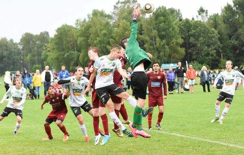 FLEST LAG MED: Hønefoss Ballklubb har flest lag med i Norway Cup fra vårt distrikt. På Ringblad.no kan du se nærmere 500 direktesendte kamper fra turneringen.
