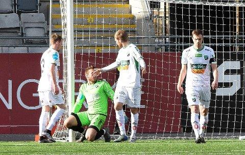I MOTBAKKE: HBK kjemper i motbakke etter tøff serieinnledning. Marko Jankovic, Asgeir Ingolfsson, Joakim Rishovd og Alexander Pedersen kan snart få forsterkninger.