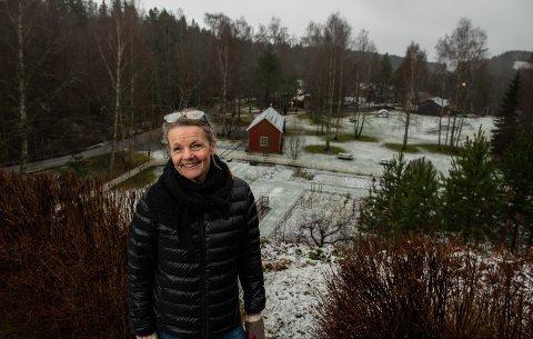 UTEROM: Birgitte Espeland, direktør på Kistefos, forteller at planene om å utvide kafébygget nå er lagt på is, og planen om et nytt uterom på området tar form.