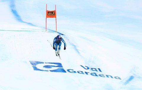 Norway's Aksel Lund Svindal speeds down the course during an alpine ski, men's World Cup downhill, in Val Gardena, Italy, Saturday, Dec.17, 2016. (AP Photo/Alessandro Trovati )