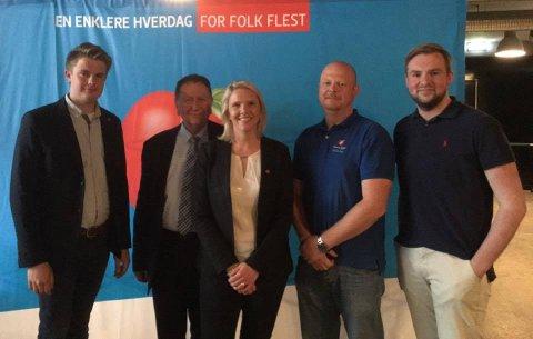 Sylvi Listhaug i Slemmestad i 2016. Fra venstre: Rikard Knutsen, Arne Haga, Sylvi Listhaug, Espen Hansen Aspås og Christoffer Pederssen.
