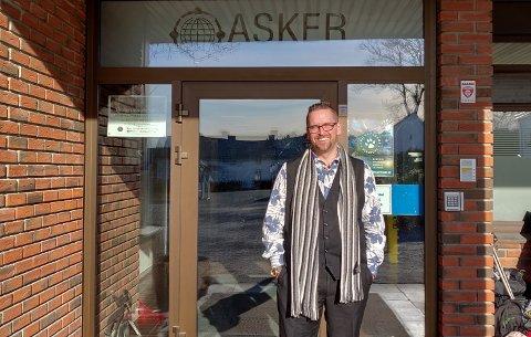 SØKER: Sætre-mannen Robert Browne er rektor ved Asker International School, som nå tiltrekker seg elever fra hele verden.
