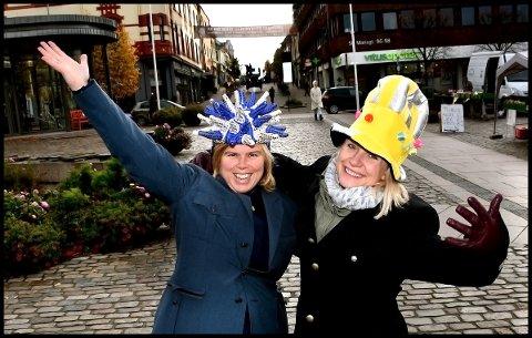 KLAR FOR FEIRING: Föbe Edvardsen fra Filadelfiakirken og Regine Hansen fra iSarpsborg inviterer til HalloVenn-feiring i sentrum tirsdag 31. oktober.