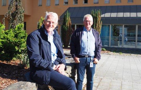 PÅ JAKT: Styreleiar Svein Ove Slinde (t.v.) i Luster sparebank jaktar no på arvtakaren til banksjef Oddstein Haugen.