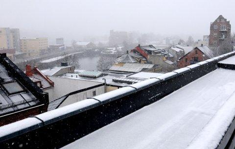 """""""Det er intet i verden så stille som sne."""" Utsikt over Skien søndag formiddag."""