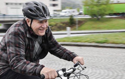 På elsykkel: Få har flere timer på sykkelsetet enn OL-syklist Leif Yli. Han har testet nåtidens største faresott – elsykkelen.