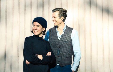 TERRASSEKONSERT: De Ubrukelige med Hallvard Høiberg og Christine Henriksen gleder seg til å spille på Notodden