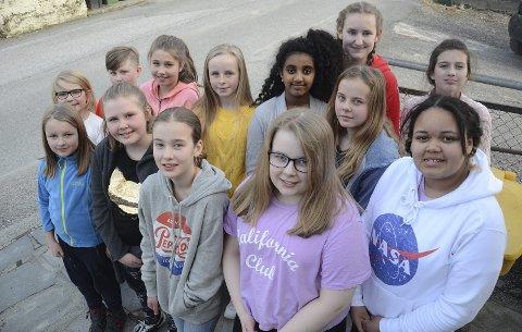Synger: Kristiansund Soul Children synger i Braatthallen.