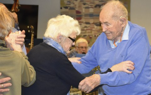 Gode minner: Monrad Mosberg svingte seg i dansne sammen med kjæresten  Annlaug Stranger. Foto: Anne Dehli