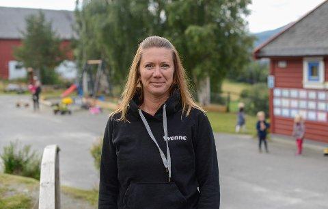 HEILE VERDA I HØRE: Yvonne Mæland er styrar ved Høre barnehage som har ungar frå mellom anna Russland, Colombia, Etiopia og Somalia i barnehagen dette året.
