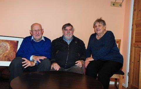 STORT PROBLEM: – Det er mye ensomhet blant eldre, og kanskje spesielt blant menn, er disse tre enige om. Fra venstre: Andreas Werner-Erichsen, William Robinson og Berit Hvidsten.