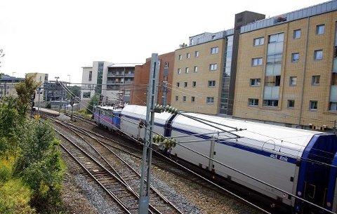 Naboene til Østfoldbanen frykter for nattesøvnen når frekvensen øker.