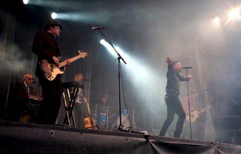 Morten Abel skal spille sin første konsert på Nesodden i september. Bildet er fra Oscarsborg Akustiske i 2013.