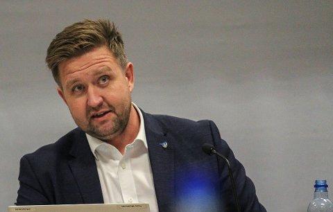 HOLD UT I KARANTENE: Ordfører Truls Wickholm ber nå folk om å følge karantenen så de får slått ned utbruddet på Myklerud skole.