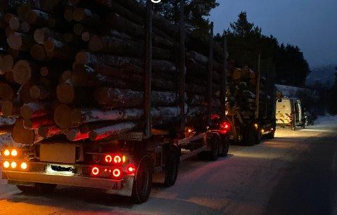 Tømmerbilen som ble stanset på fv.29 fikk en saftig bot for overlast.