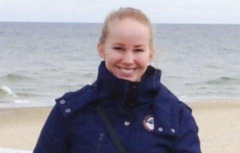 IKKE ALLTID: Eileen Flomark Søhus (22) har også vanlige bilder av seg selv.
