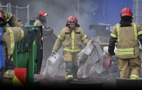 Brannmannskapene i Salten fikk en sjeldent tøff jobb da det tok fyr på Hunstadsenteret i Bodø onsdag 24. juni. Nå er en mann i 20-årene også av lagmannsretten dømt for å stå bak.