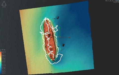 Den hvite streken viser ROVens bane når den har filmet vraket.