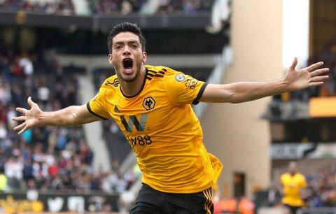 Wolverhampton Wanderers og den meksikanske landslagsspissen Raul Jimenez feirer scoringen sin mot Burnley. (Nick Potts/PA via AP)