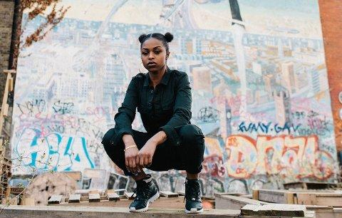 FØRSTE INTERNASJONALE ARTIST: Britiske Nadia Rose kommer til BlÅkkfestivalen.