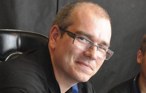 KREV TILTAK: Marius Strømmen, ordførarkandidat i Bremanger, meiner noko må gjerast for å bøte på at det etablerte samferdslemønsteret gjennom Skatestraumtunnelen er blokkert i lang tid.