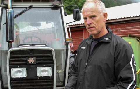 PROVOSERT: Ståle Solheim frå Nordalsfjord synes det er frekt av Nortura å be folk om å vere rause med bøndene, samstundes som dei sjølve knapt betalar for sauekjøtet som blir levert.