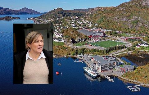 KINN I FRONT: Mona Bakke Svarstad leiar eit treårig prosjekt for å seje Måløy vidaregåande skule i førarsetet for utdanning innan sjømatnæringa.