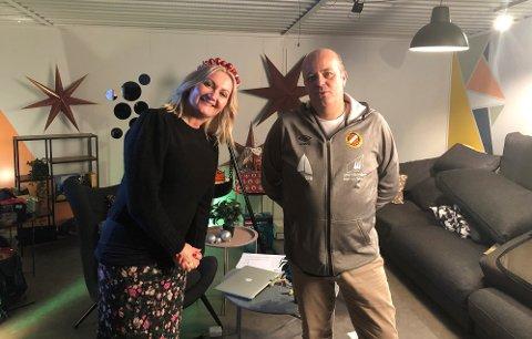 I STUDIO: Trekninga vart sendt direkte frå studio på Byrkjelo stadion. Programvertar i den timelange sendinga var Sigrid Moldestad og idrettslagsleiar Bjarte Gangeskar.