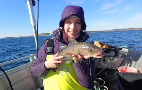 Ann-Elin Wårøy Synnes analyserte genene fra torsk hun samlet i 930 ruser blant annet i Ytre Hvaler Nasjonalpark.