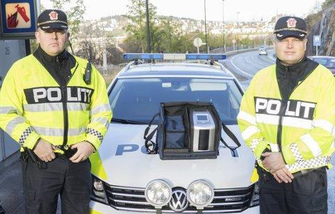 På patrulje: Fra venstre: Roger Olderøy og Ken Dahlslett i UP i Narvik