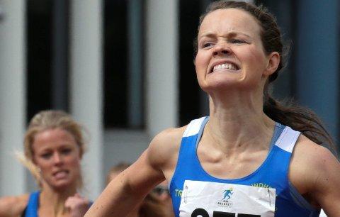 Haugesund  20150802. NM friidrett 2015. Haugesund 31. Juli til 2. august. Ida Fillingsnes (124) vant 800 m foran Yngvild Elvemo (277). Foto: Vidar Ruud / NTB scanpix