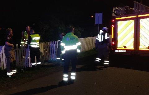 BOMTUR: Brannbilene rykket ut både på Nøtterøy og i Tønsberg for å bistå ved det man trodde var en boligbrann i Jernbanegata. Så viste det seg å være en tulletelefon.