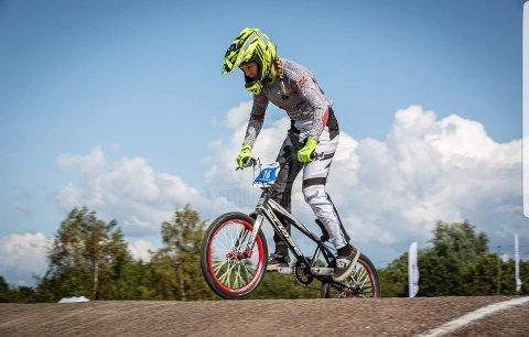 Amalie Osaland Ramski (12) gikk helt til topps i sommerens nordiske mesterskap i BMX-sykling.