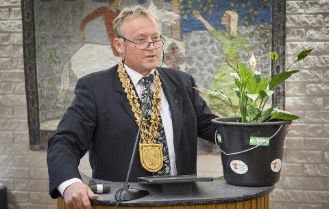 PÅ TOPP: Knut Gustav Woie er klar for å kjempe om ordførerkjedet igjen. Han er Senterpartiets toppkandidat til kommunevalget.BILDER: JENS HAUGEN