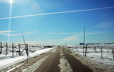 Fylkesveg 51 over Valdresflye er gjenopna for trafikk tidleg søndag morgon.