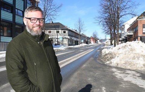 Vil utføre privat omsorg: Kjetil Sveen jobber i offentlig helsevesen, men satser nå på privat eldreomsorg blant annet i Moelv-området.
