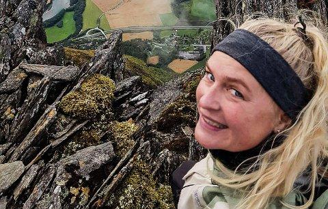 """UTE AV BALLONGDANSEN: Hilde Lindseth Stømer måtte se 71 000 kroner forsvinne ut av hendene i finalen på NRKs nye lørdagsprogram """"Alle mot 1""""."""